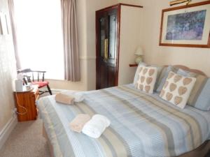 H305 Bedroom