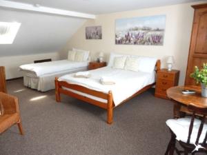 H305 Room 7